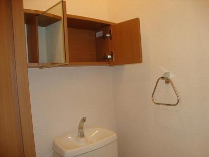 収納付きのトイレ