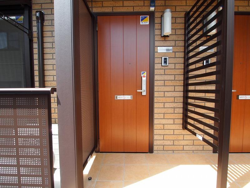 カードキーの玄関~