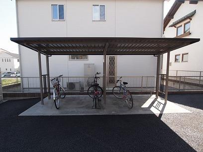 屋根付の駐輪場~