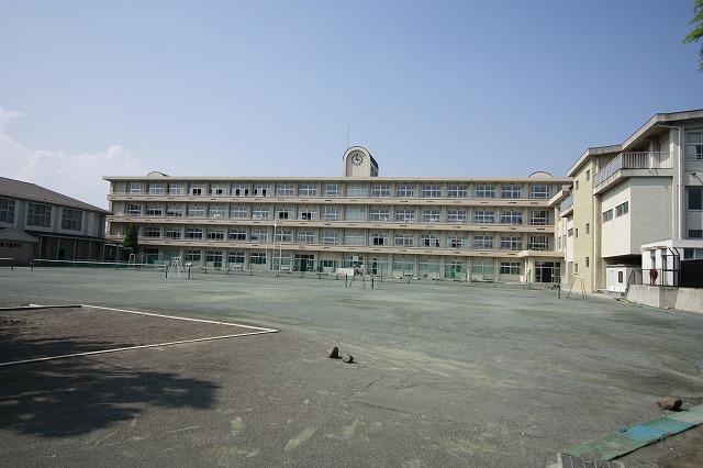 塚沢中学校