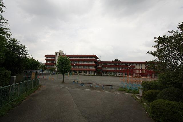 大類小学校