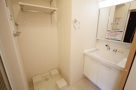 洗面台+洗濯機置き場