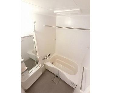 お仕事の疲れをお風呂場でとってくださいね 浴室乾燥機、追い焚き付きのバスルーム