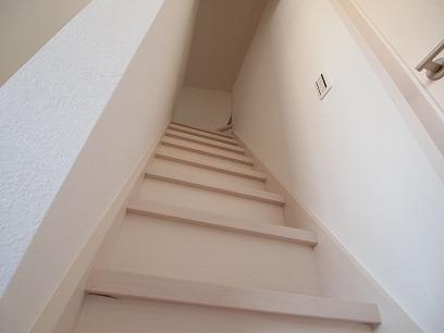 立派な階段を上がると。。。