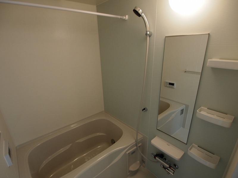 バスルーム~。追炊き・浴室乾燥機ついてます!!