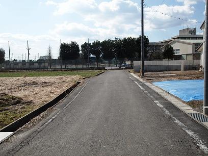 西側道路(接道ではありません)