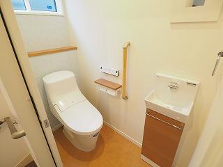 2Fのトイレはこちらです~~