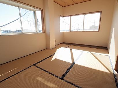 2面遮光で明るい和室~