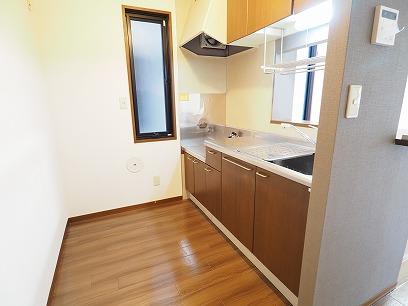 キッチンに窓有り!角部屋ですよ~