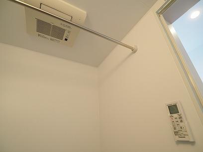 浴室乾燥機が付いています♪ お洗濯ものが干せちゃうんです!!