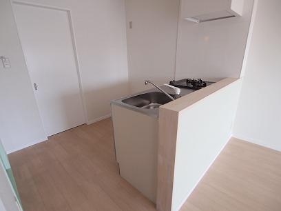 キッチン後ろはパントリー(食品庫) ※イメージ