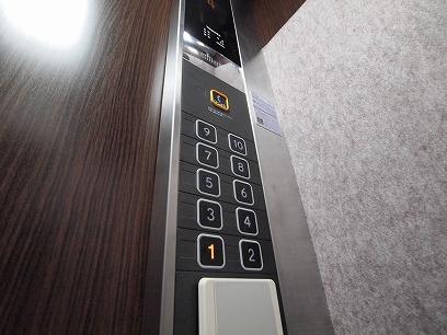 エレベーターでスイスイっと~