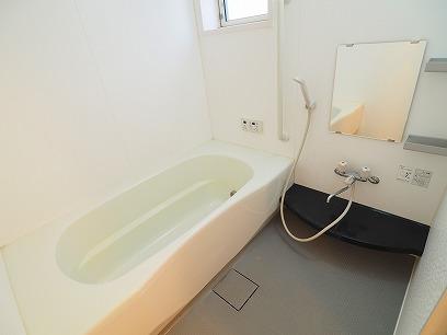 1坪のお風呂でゆっくり。。