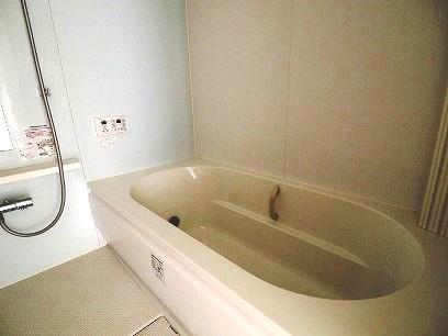 1坪風呂でゆったり入れます