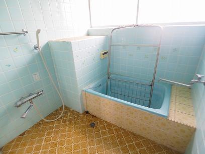 お風呂に窓有