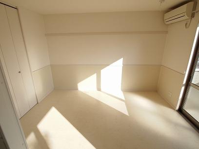 LDK隣の6.3帖の洋室