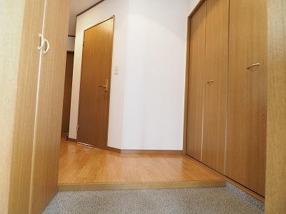 玄関が広々・収納も十分あります~