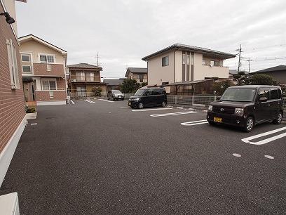 駐車場の目の前