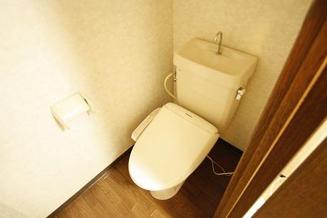 トイレはもちろんウォシュレット!
