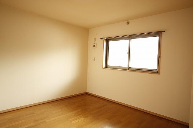 北側に2部屋の洋室あります~
