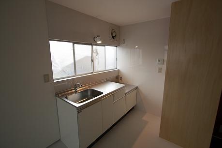 キッチン♪ パネル張りで汚れもラクラク!