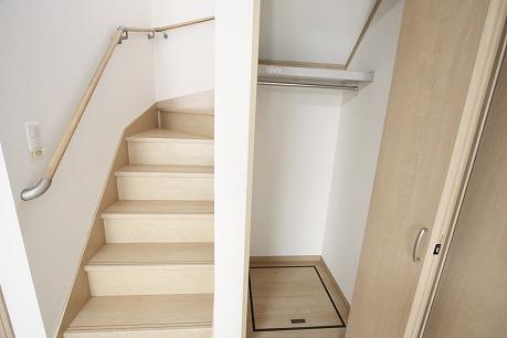 階段下収納。