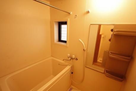 浴室に窓があるのは嬉しいポイントですね