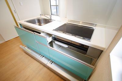 システムキッチン~ 引き出しタイプで収納らくらく