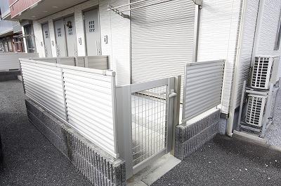 1階角部屋 専用お庭&外水道有!!