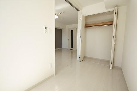 4帖の洋室 便利な空間になりそうです。
