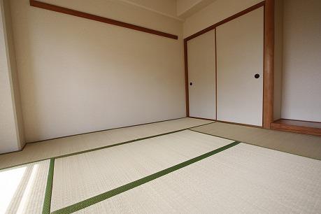 LDKの隣に和室6帖