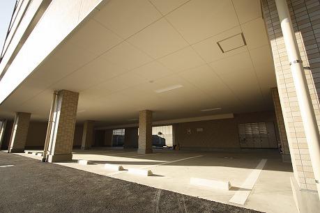 1Fは有料駐車場になってます♪