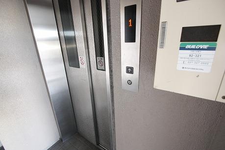 エレベーターで2階~♪