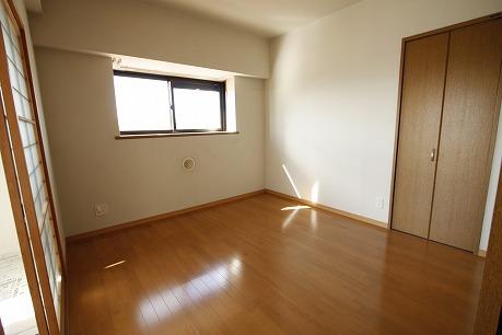 洋室6.1帖に出窓