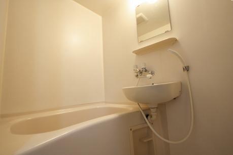 浴室に洗面台付&鏡