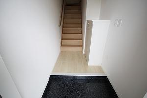 階段で2階へ