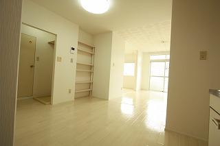 画像:人気の東貝沢町2階のリフォーム部屋へ