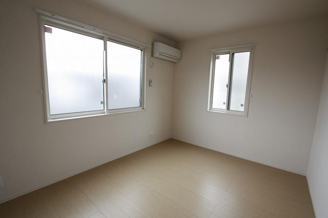 北側6帖の洋室