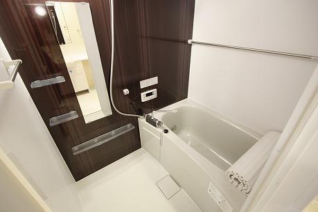 追炊き・浴室乾燥機能付きのバスルーム