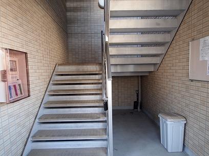 階段のぼって~