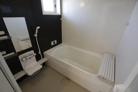 お湯張りはボタン一つで( ^)o(^ ) 追い焚き機能付き