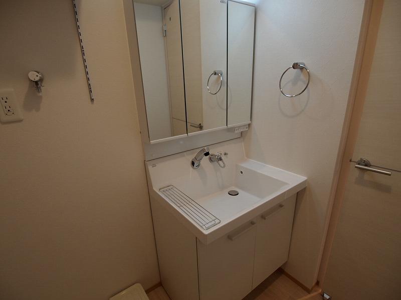 おおきな鏡の洗面台~