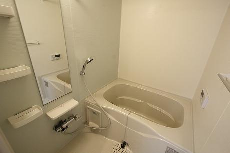 追炊き機能付きバスルーム