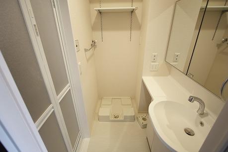 大きな鏡で使いやすいパウダールーム