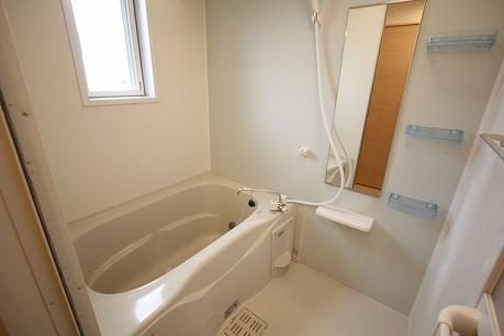追焚機能付きのバスルーム