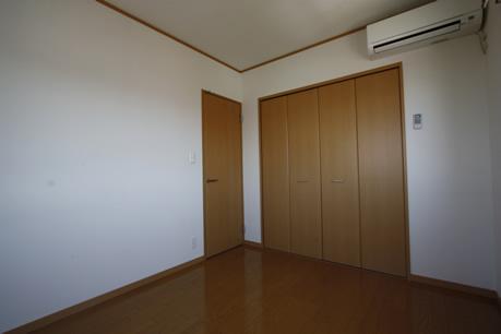 洋室の収納もタップリです。。。