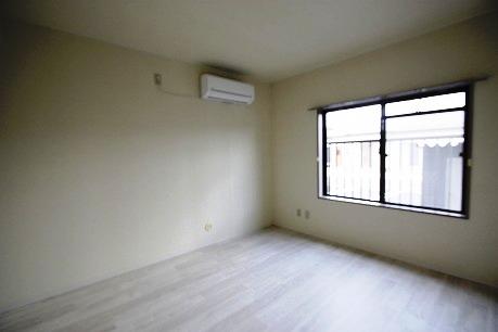 北側の洋室7.3帖~エアコン付き